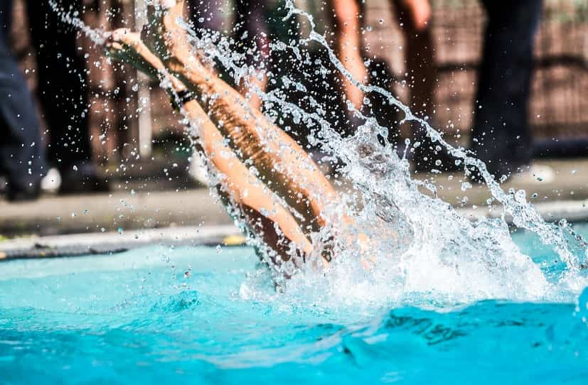 6 Best Waterproof Fitness Trackers for Swimming