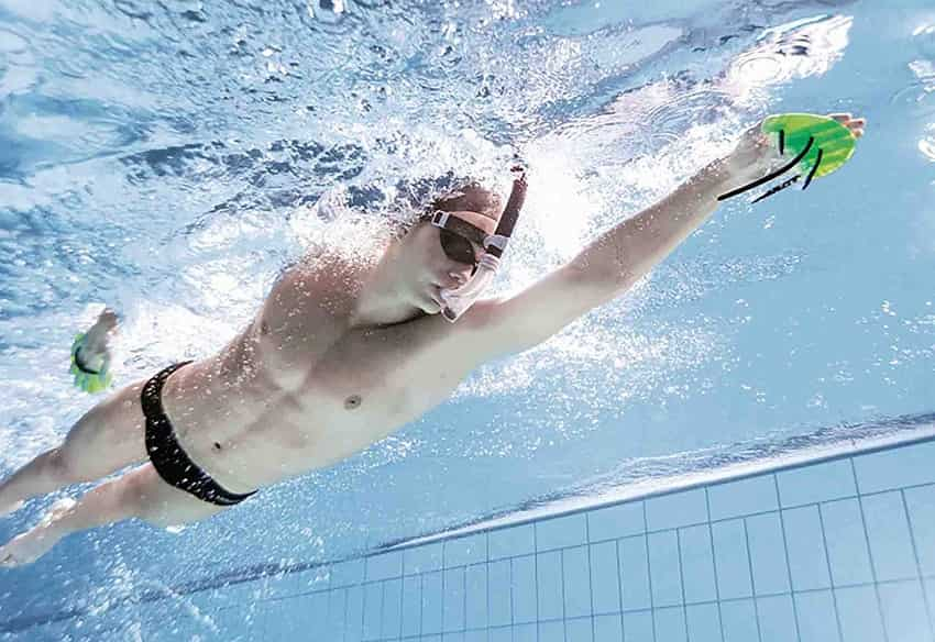 How Finger Tip Paddles Will Help You Swim Your Best