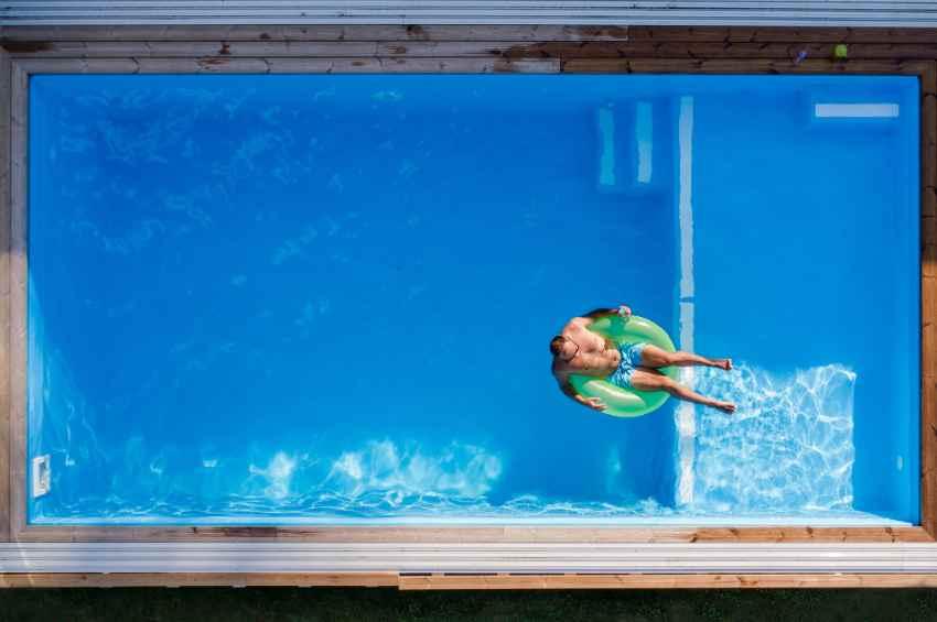 Best Digital Pool Testers for Sparkling Pool Water