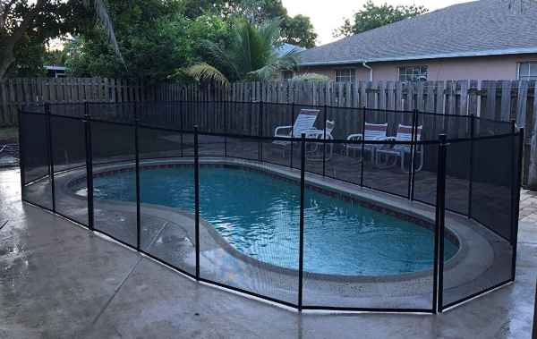 WaterWarden Pool Safety Fence